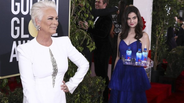 Fiji Water Girl slammed by Jamie Lee Curtis over Golden Globes stunt