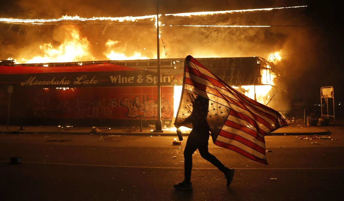 Riots-in-Minneapolis-protests-capture-th